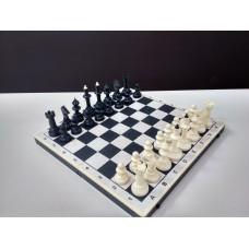 Шахматы пластиковые с комбинированный доской из пластика и дерева